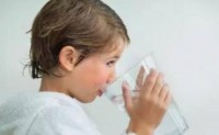 宝宝喝水这件事,99%的妈妈可能都做错了