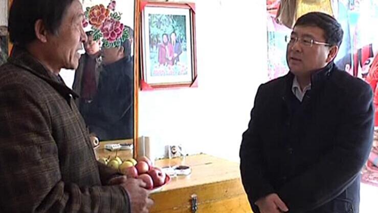 宽城县长杨海龙赴塌山乡慰问贫困户、老党员、老军人送新春祝福。